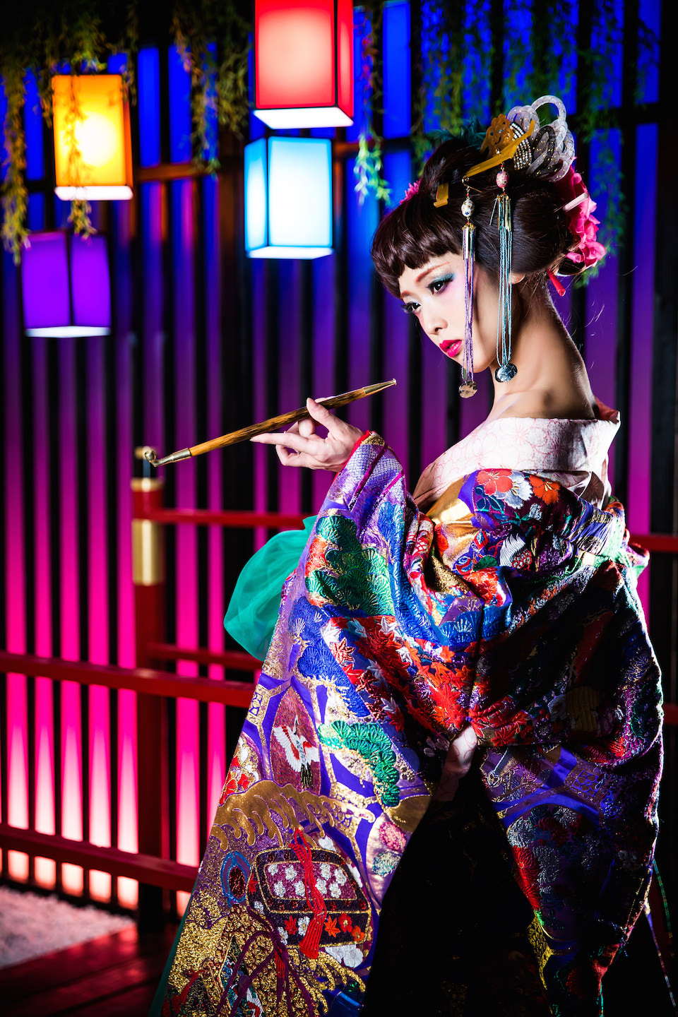 Picture of sexy oiran for make-over photo in Kyoto, Japan. Photo taken by Studio Esperanto.