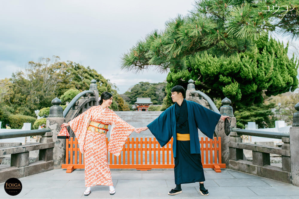 Pre-wedding photo at Tsurugaoka Hachimangu Temple in Kamakura