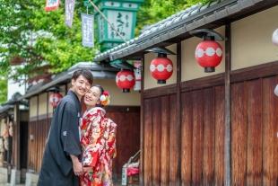 Kimono photoshoot in Gion, Kyoto