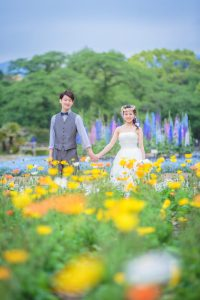 Pre-wedding photo in colorful flower garden
